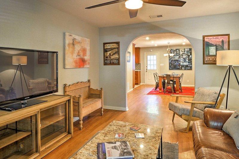 Esplora la meraviglia di Austin, TX da questa casa vacanze che può ospitare 4 persone.