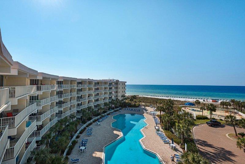 Beachfront Corner Penthouse! Destin West Gulfside 616, holiday rental in Fort Walton Beach