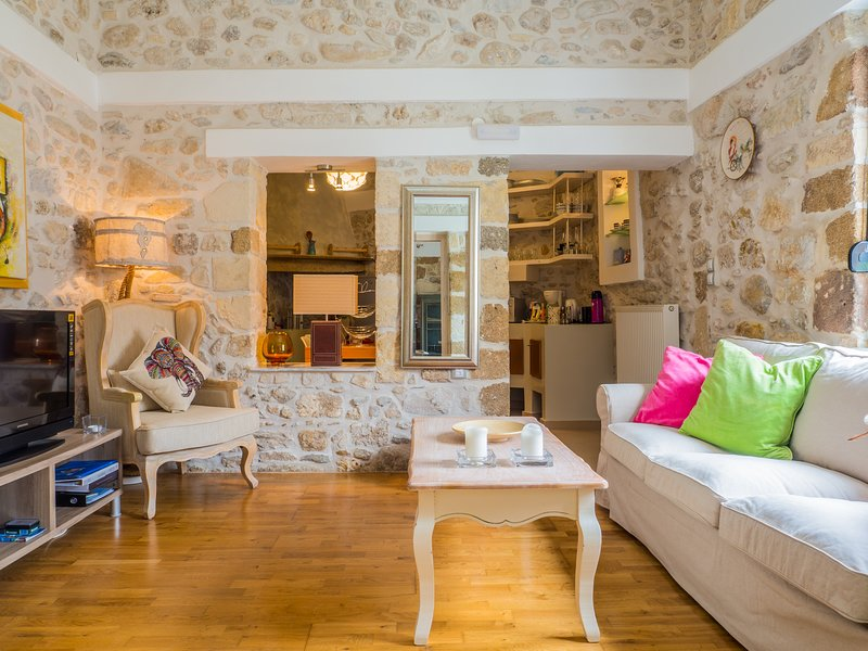 Joanna's Manor House - Ideal for Families!, location de vacances à Réthymnon