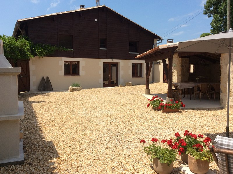 La Maison du Lac****, Saint Martin de Gurson, Dordogne, holiday rental in Saint-Remy