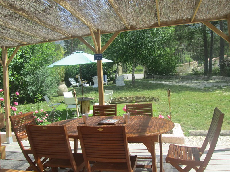 Spacious house with mountain view, vacation rental in Le Fugeret