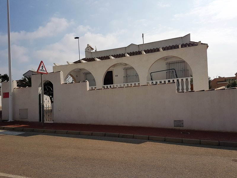 B175 Villa, holiday rental in Camposol