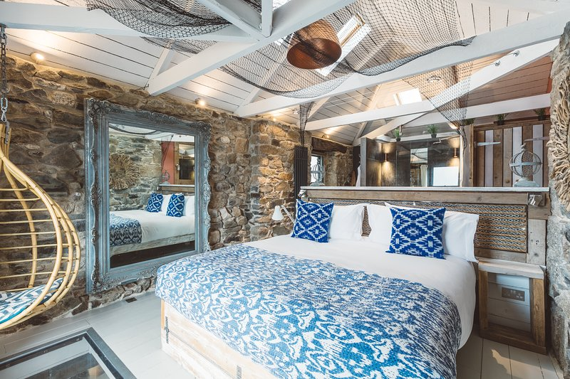 Harbour Moon - Design Cottage With Sea View, vacation rental in Paul