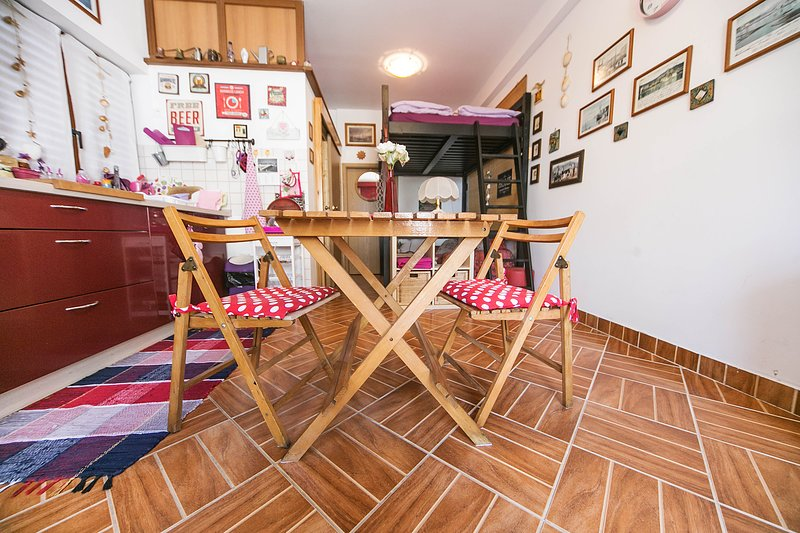 Studio Baredi. Kind, small love nest, vacation rental in Izola
