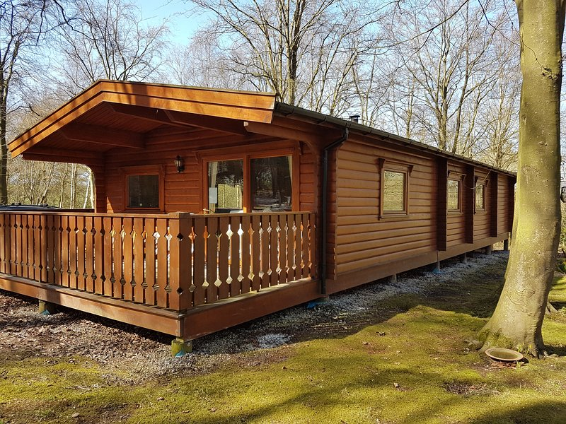 Poppy Lodge, Kenwick Park Woods, Louth, Lincolnshire, holiday rental in Louth