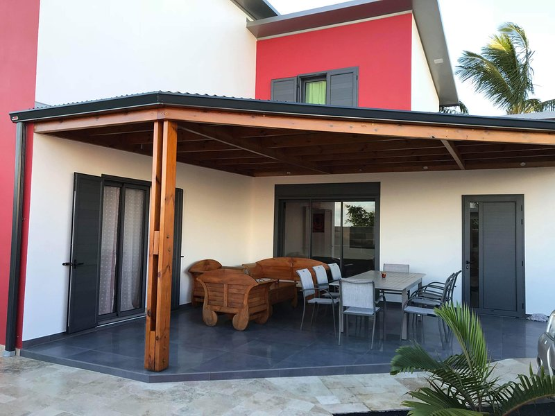 Spacious villa with swimming-pool, holiday rental in Saint-Louis