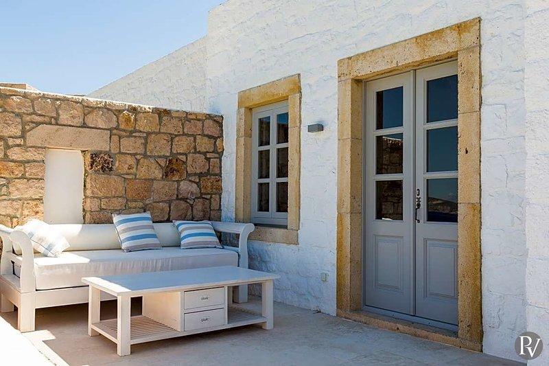 Grigos Villa Sleeps 6 with Pool - 5644773, casa vacanza a Grikos