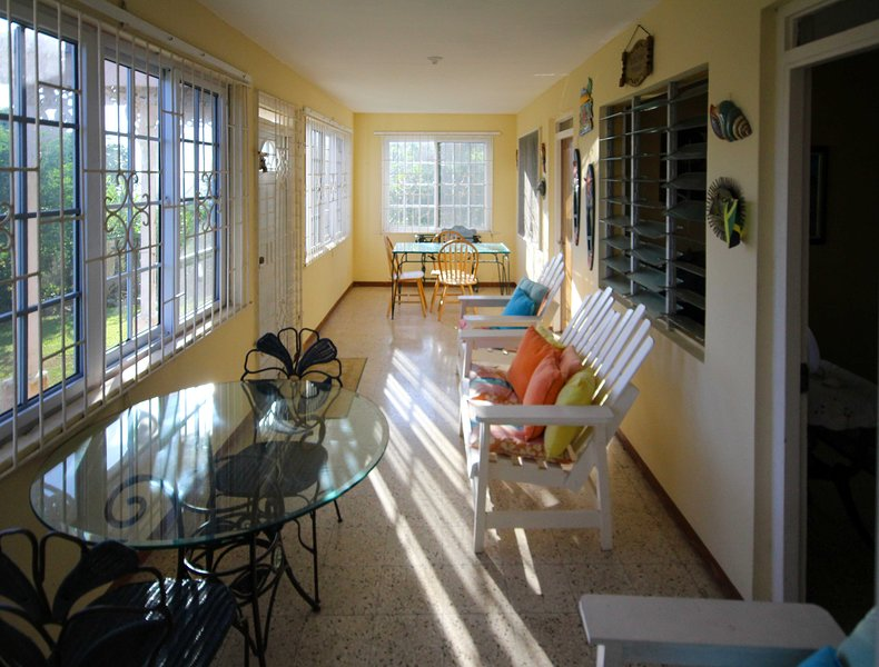 Jamaican House on the hill overlooking the country and ocean,15 mins to the sea, holiday rental in Port Maria