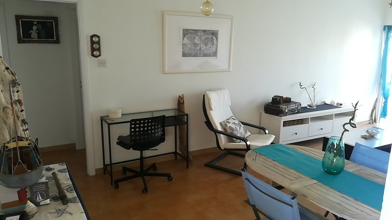 Salon / bureau d'ordinateur