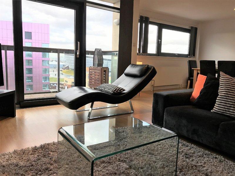 Living room / door to Balcony