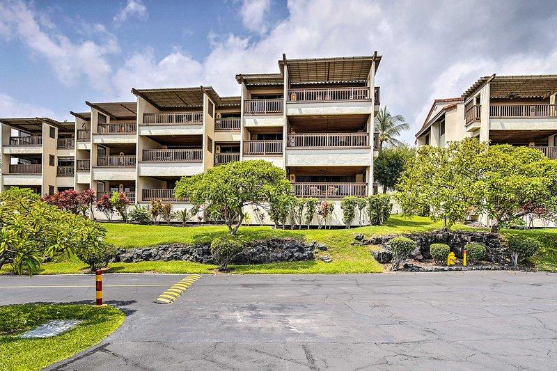 Il Kona Coast Resort promette una vacanza spettacolare.