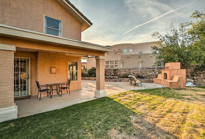 Lavish El Paso Home w/ Mountain Views - Near Golf!, holiday rental in Santa Teresa