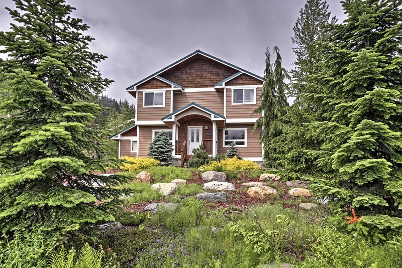 Cozy Snoqualmie Pass Home Near Ski Resort & Hiking, holiday rental in Snoqualmie Pass