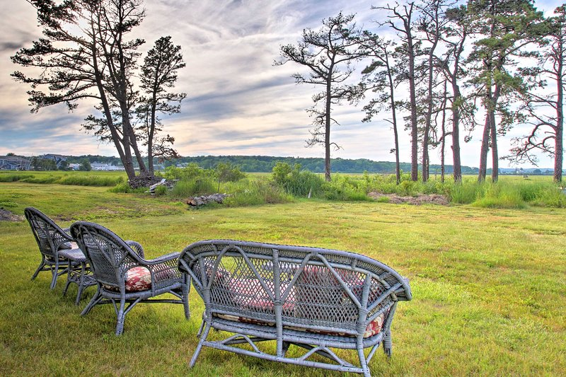 Charming Pine Point Cottage - 2 Blocks to Ocean!, holiday rental in Prouts Neck