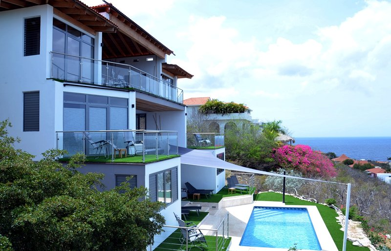 Seaside of Coral Estate 649, with its 3 levels and private pool.