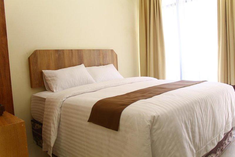 Lina Cottage (Standard Queen Room 5), vakantiewoning in Batu Layar