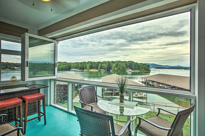 Enjoy lake and mountain views from this Huddleston vacation rental condo.