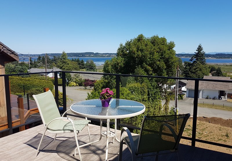 Royston By The Sea Carriage House, vacation rental in Vananda