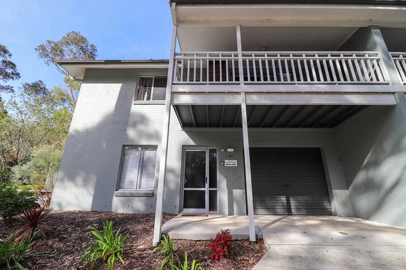 100 Blackbutt Family Townhouse situated in the lakeside Raffertys Resort, vacation rental in Lake Macquarie