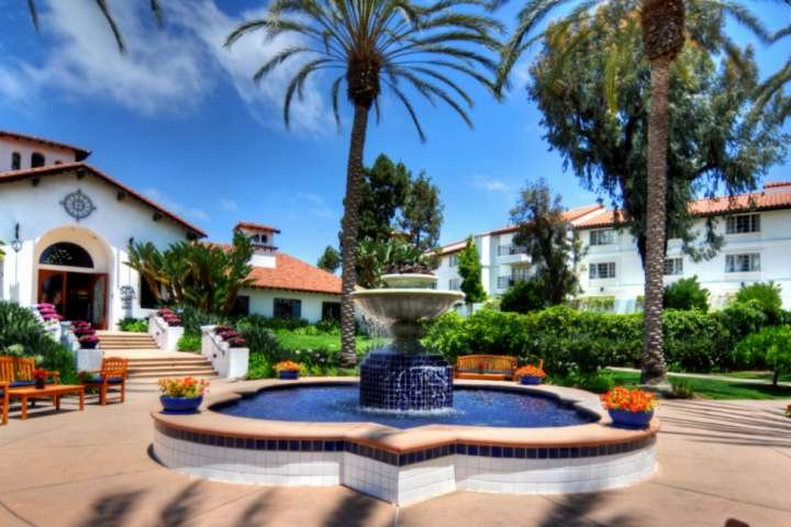 Gorgeous Renovated Condo, Steps to Omni Spa, Golf, Tennis, Chopra Center & Exclu, vacation rental in Lake San Marcos