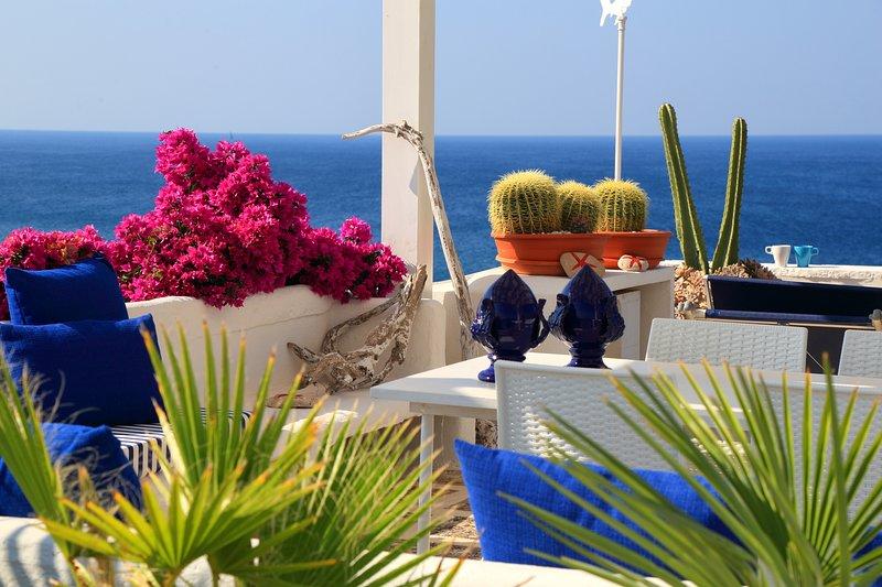 SEAWIEV HOLIDAY HOME SAN GREGORIO  - APULIA - ITALY, holiday rental in Patu