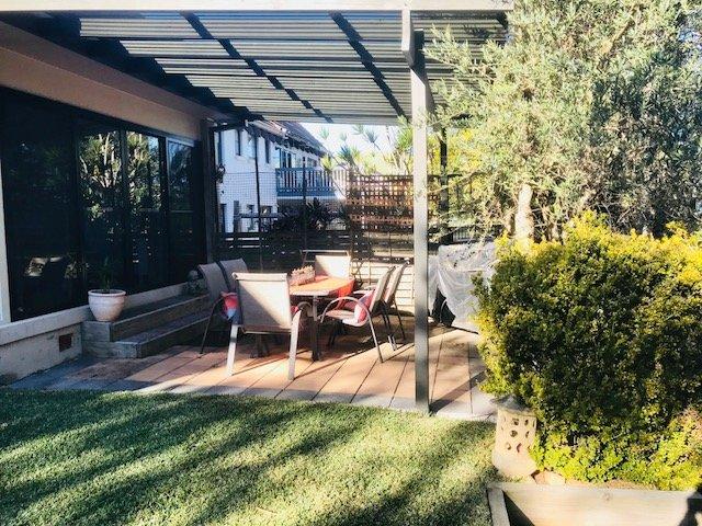 Il cortile coperto e area barbecue
