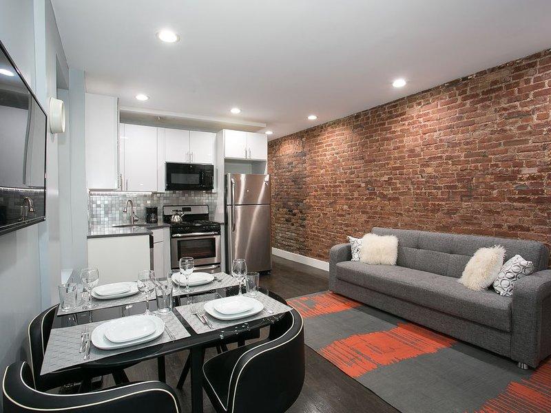 Harlem: Renovated 3 Bedroom, holiday rental in Maryknoll