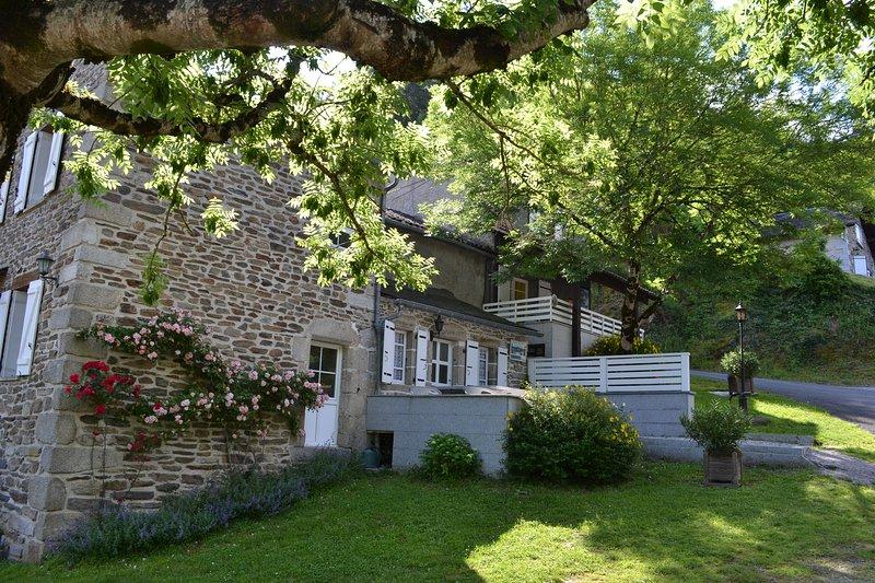 Gite l'Oustal - Hameau de Thouy - Occitanie - Tarn - Sidobre, holiday rental in Lacaze