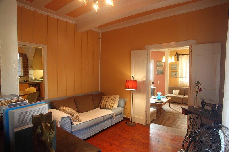 Beautiful Tradidtional House in City centre, aluguéis de temporada em Lefkada Town