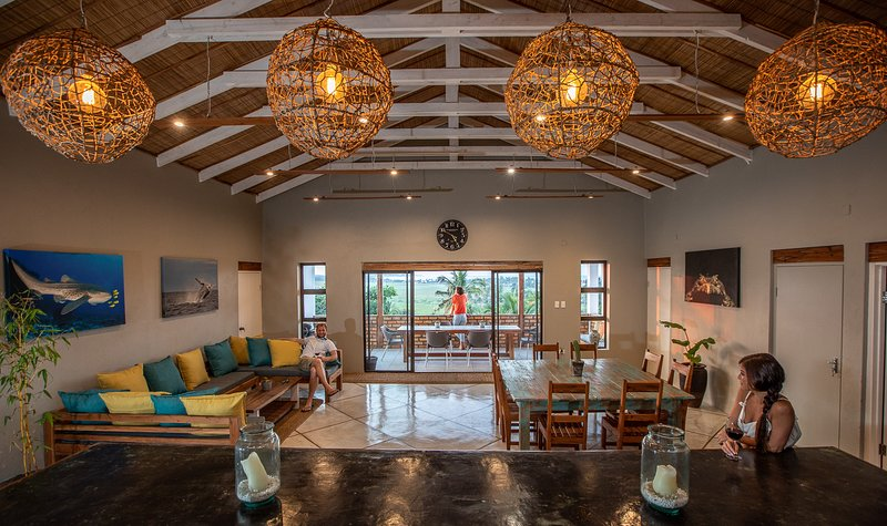 Casa Naroo, Luxury 8 sleeper in Tofo, vacation rental in Mozambique