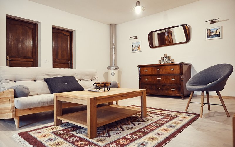 Cozy Apartment, vacation rental in Brasov