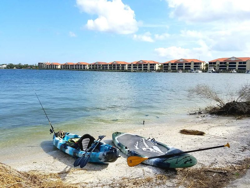 Waterfront *Bouchelle Island* Amenities Included, holiday rental in New Smyrna Beach