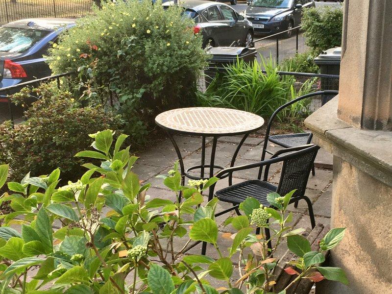 Zona de estar exterior en nuestro propio patio privado.