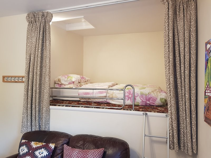 """In diesem """"geheimen"""" Loft-Bereich sind zusätzliche Schlafmöglichkeiten versteckt. Toll für Kinder von 6 bis 60 Jahren"""