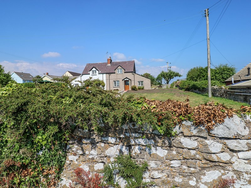 2 NEW COTTAGES, Dog Friendly, Bosherston Lily Pools, holiday rental in Stackpole