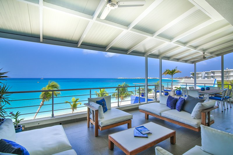 TOP OF THE ART PENTHOUSE - luxury on the beach, vacation rental in Simpson Bay