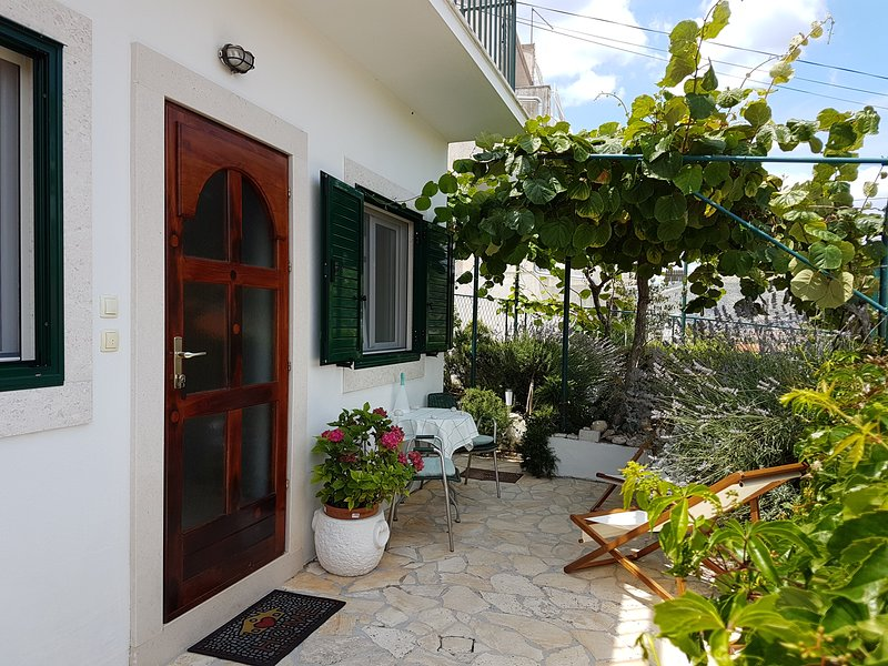 Cozy Apartment Angelus in Trogir – semesterbostad i Trogir