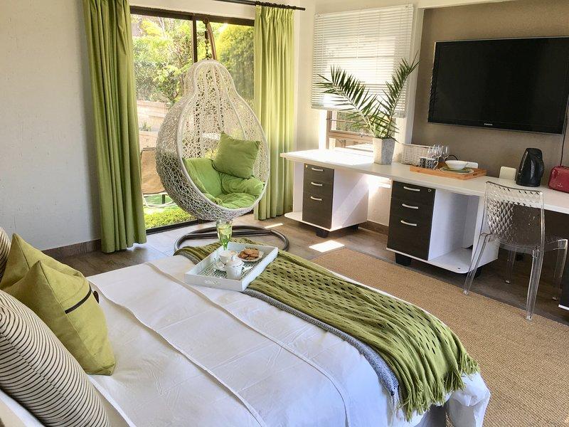 Greenstone Luxury Suite, holiday rental in Modderfontein