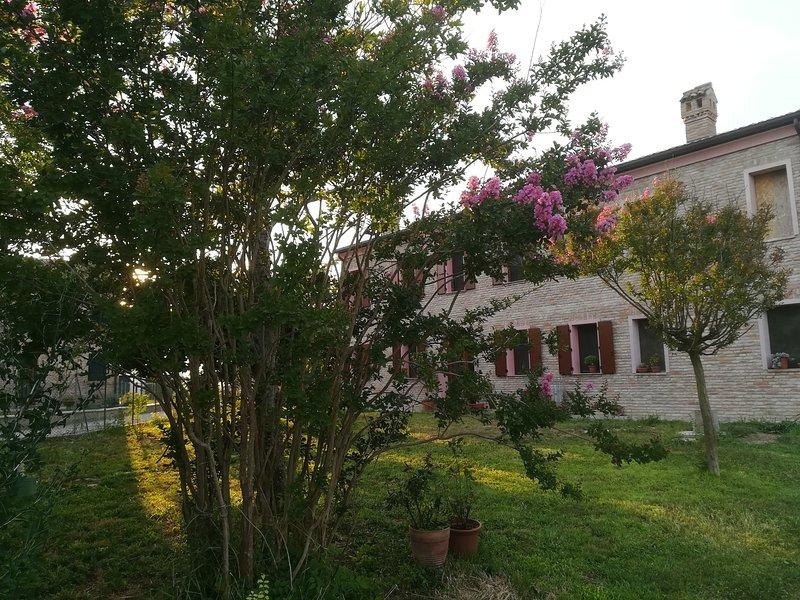 Camera matrimoniale tripla in un'oasi di tranquillità, Ferienwohnung in Ferrara