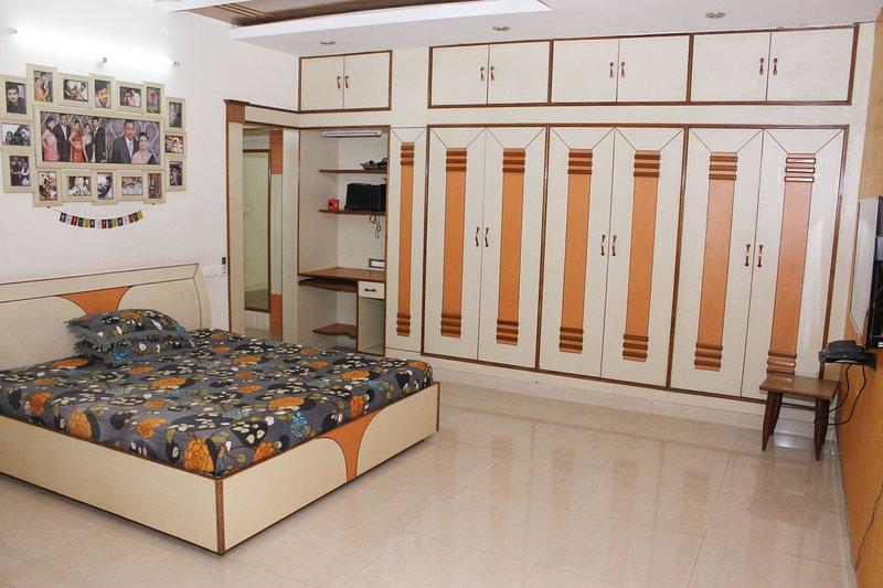Patiala sized Villa, holiday rental in Patialar District
