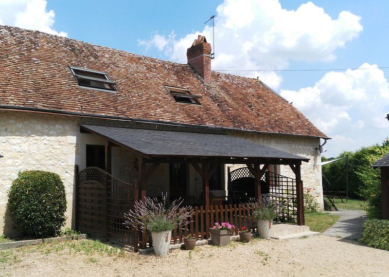 Farmhouse at Le Haut Gué, Loire Valley, holiday rental in Continvoir