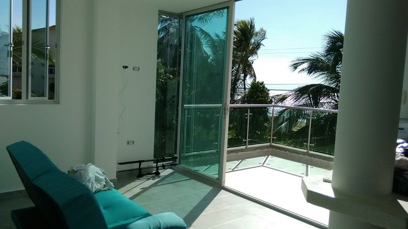 Villamarina Inn es un Chalet frente al Mar Caribe rodeado de Naturaleza, location de vacances à San Antero
