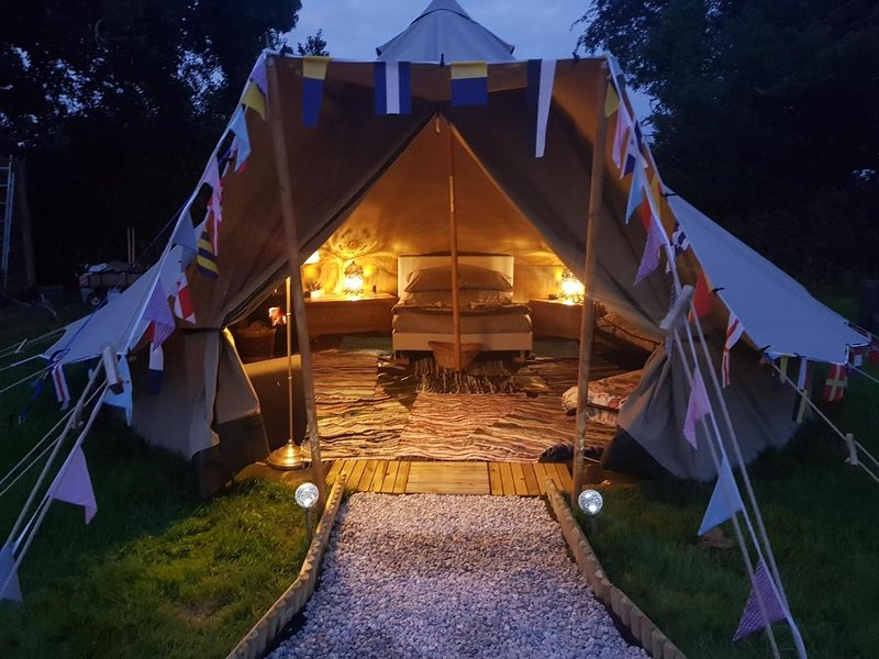 Foxglove - Luxury Glamping Cornwall, location de vacances à Three Burrows