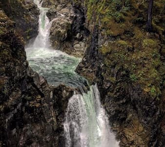 Walking distance to the famous Qualicum Falls