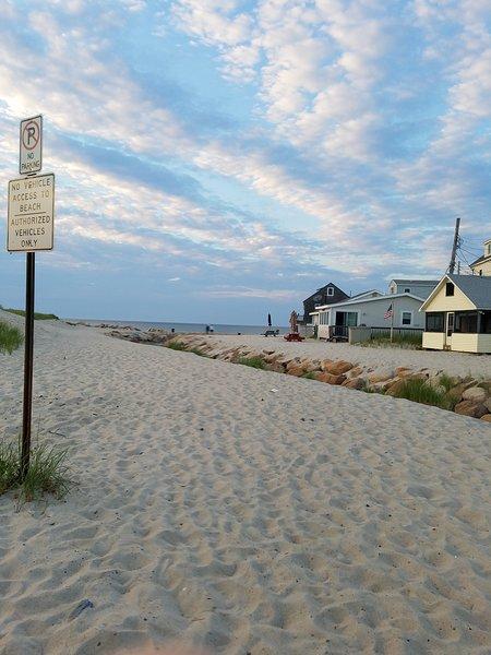 Juste une courte promenade de cette belle plage de sable blanc.