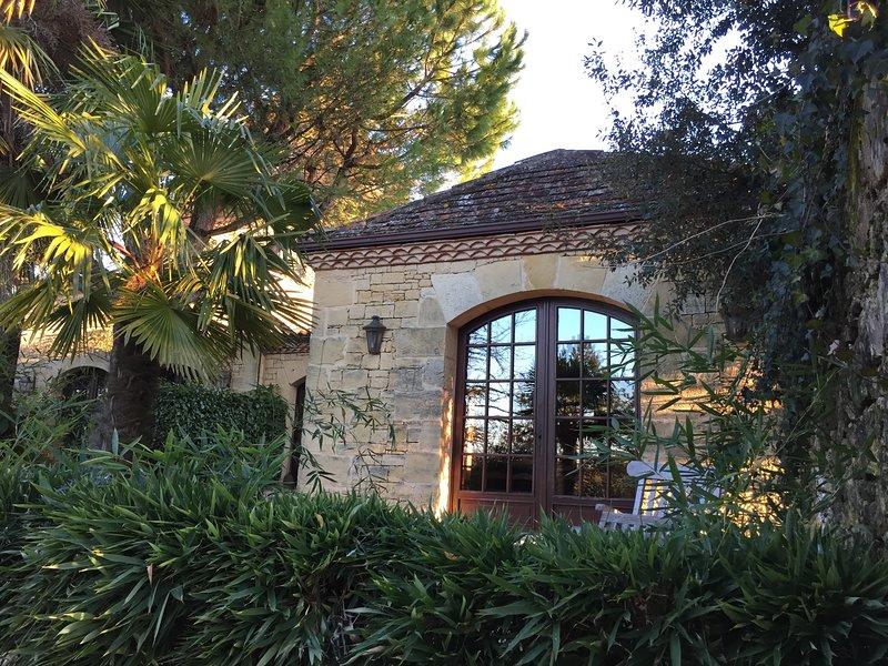 Gîte Castelnaud (gîte de charme avec poêle à bois et spa privé), holiday rental in Pontours