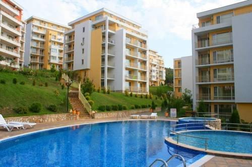 Imperial Fort Club Apartment, holiday rental in Sveti Vlas