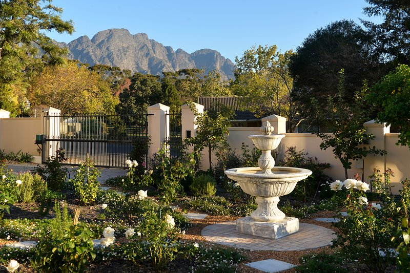 Grande Plaisir luxury, spacious self-catering home, alquiler de vacaciones en Franschhoek