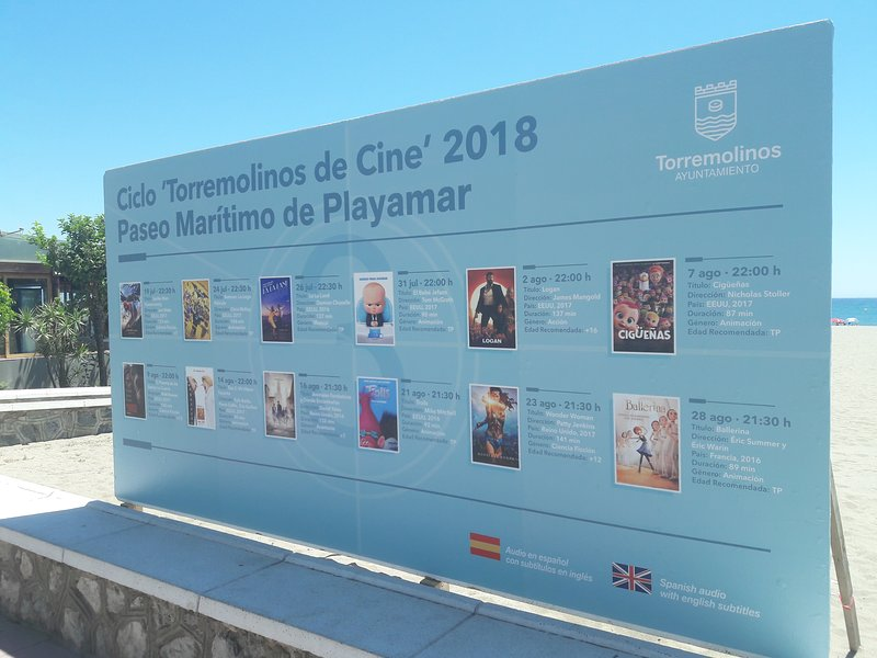Cine en la playa en verano ❤ cinema on the beach in the summer.