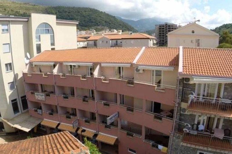 Apartments Oaza 1 - App 1/4 nr.4, vacation rental in Petrovac